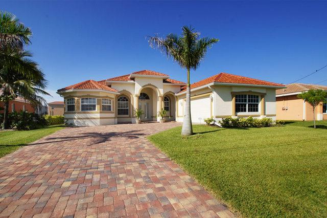 Villa Christina  Boat Dock 45 Mins. to Open Waters - Image 1 - Cape Coral - rentals