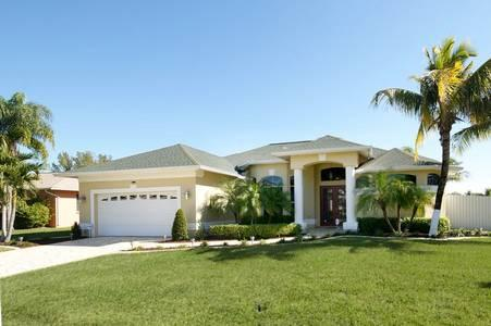 Villa Florida – Canal Front with Boat Dock - Image 1 - Cape Coral - rentals