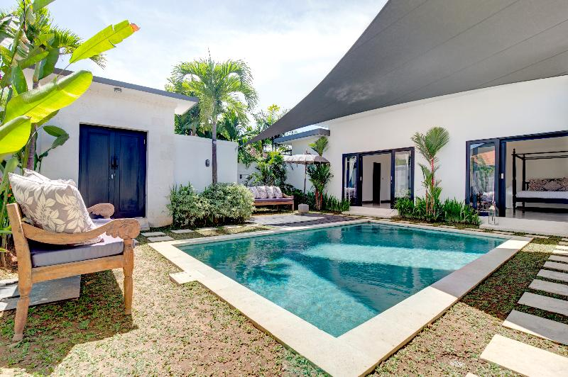 private pool, entrance and bedrooms - Villa Ema Two Bedroom Pool Villa - Seminyak - rentals