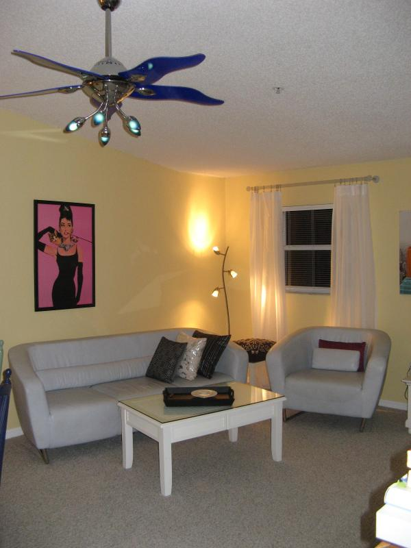 Living room - Lifestyle on the island - Holmes Beach - rentals