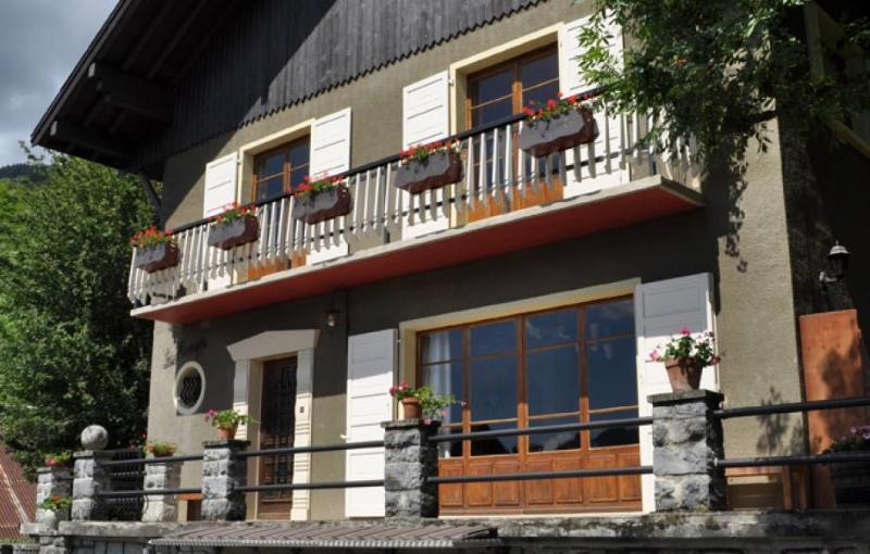 Villa des Mesanges - Image 1 - Verchaix - rentals