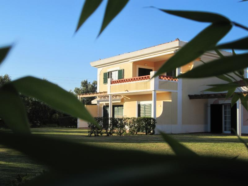 STUDIO FOR 2 IN A COMPLEX 5-MINUTE DRIVE FROM THE CENTRE OF VILAMOURA REF. CCC110429 - Image 1 - Quarteira - rentals
