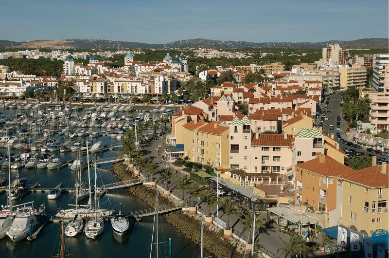 ONE BEDROOM APARTMENT WITH BALCONY IN FRONT OF THE VILAMOURA MARINA AND NEAR THE BEACH - REF. MPL111036 - Image 1 - Quarteira - rentals