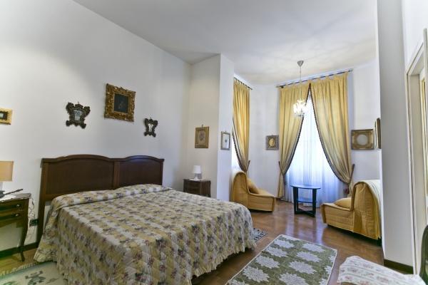 CR656Rome - Vatican Beautiful Family Apartment - Image 1 - Rome - rentals
