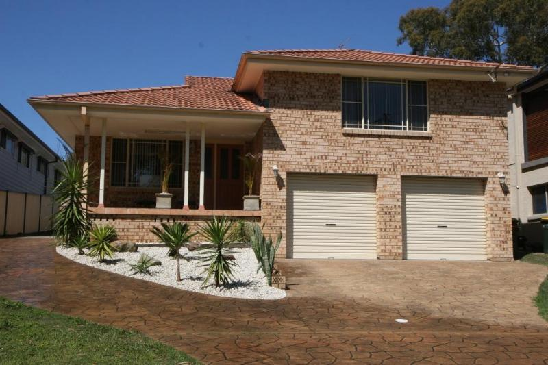 Front - ENJOY THIS BEAUTIFUL HOUSE FOR THE PERFECT ESCAPE - Vincentia - rentals