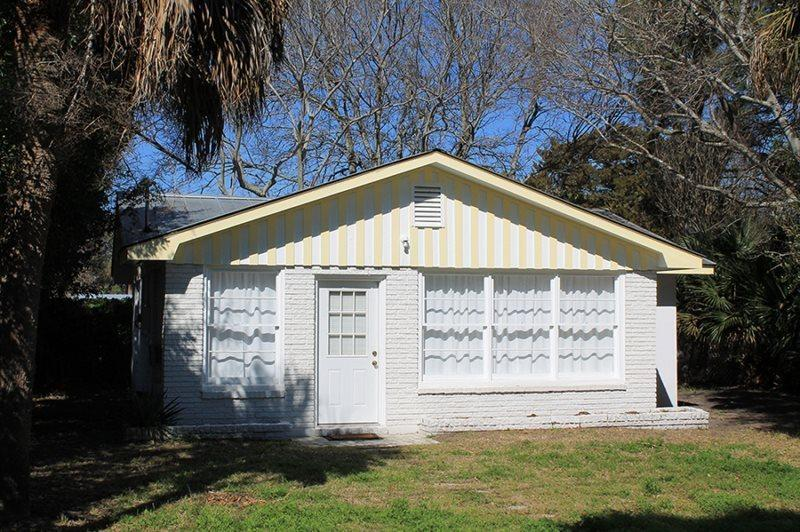 #1513 2nd Avenue - Small Dog Friendly - FREE Wi-Fi - Image 1 - Tybee Island - rentals