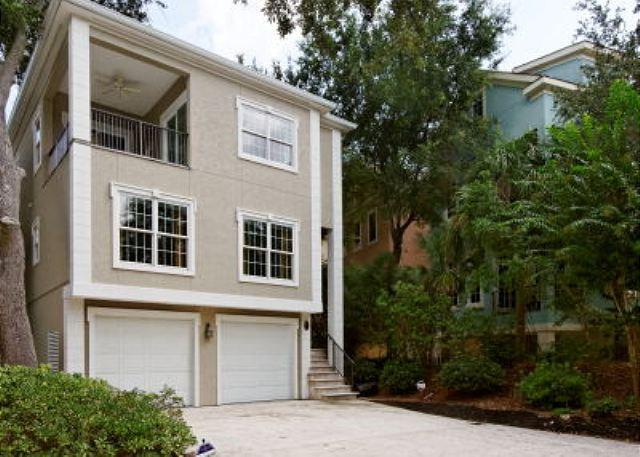 Henry Lane 11 - Wonderful 4BR/4BA Home in Newest Area of HHI Surrounded by Colorful Homes - Hilton Head - rentals