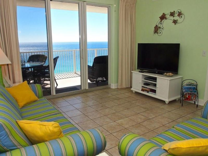 Living Area - Beachfront 2 Bedroom Condo with Gorgeous Sunsets at Tropic Winds - Panama City Beach - rentals