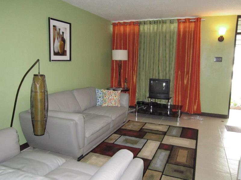 Living room - A quiet oasis in the city of Kingston which offers short - term rental - Alligator Pond - rentals