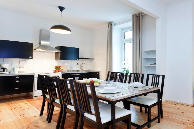 Mitte Vacation Rental for Up to 7 in Berlin - Image 1 - Berlin - rentals