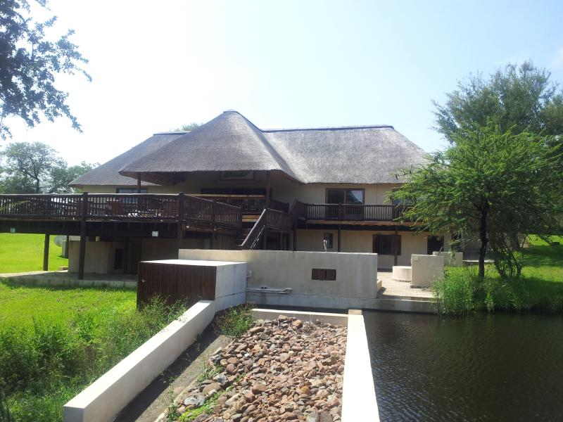Front View - Lodge In Wildlife Estate - Hoedspruit - rentals