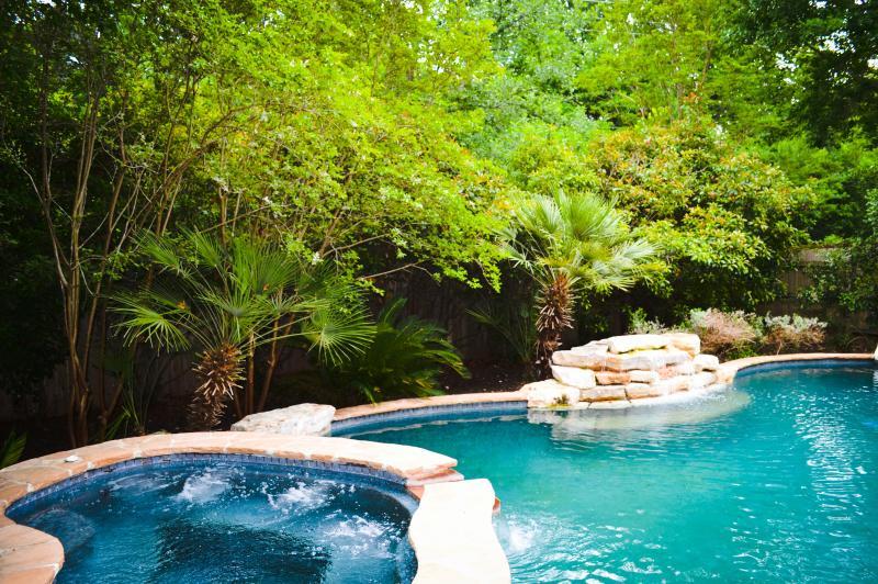 Tropical Oasis w/ Resort-Style Pool & Hot Tub - Image 1 - Schertz - rentals