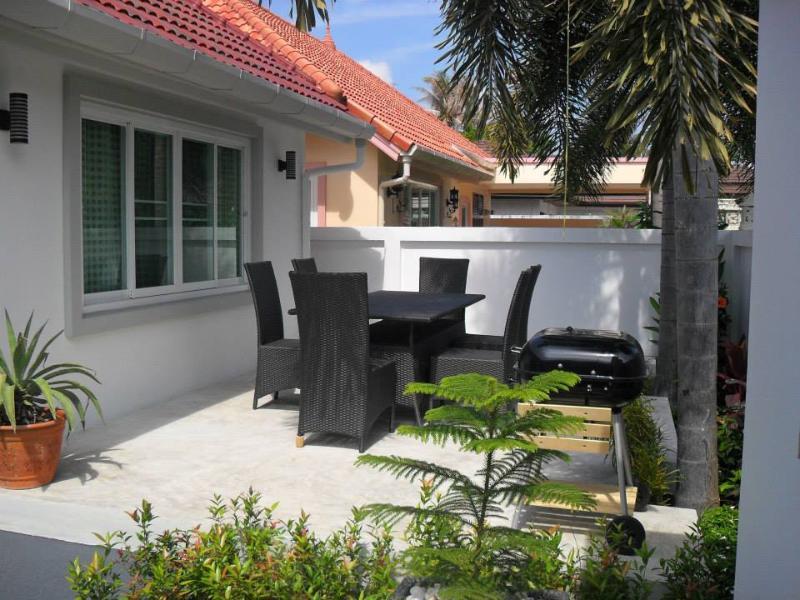 Spacious Thai Style Pool Villa - Image 1 - Rawai - rentals