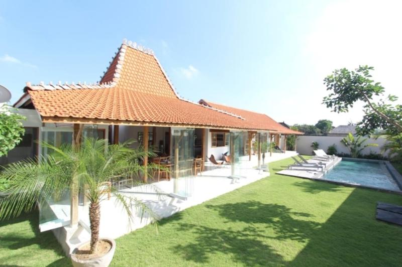 Villa Oulala, Calm and Luxurious - Image 1 - Canggu - rentals