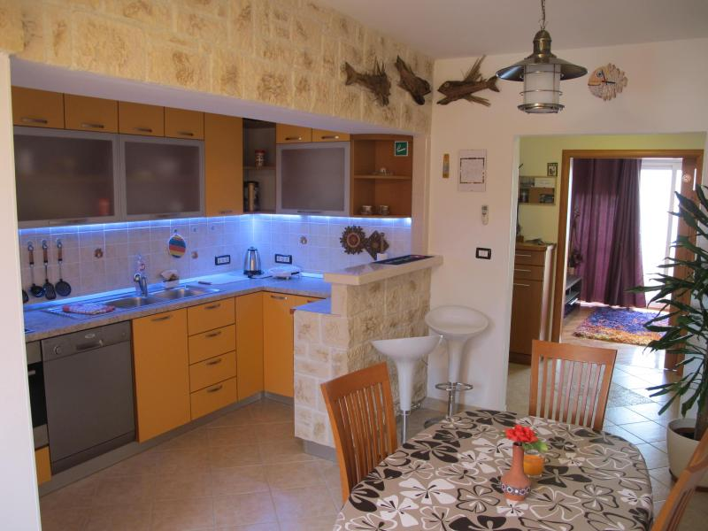 Apartment Vedran near center - Image 1 - Split - rentals
