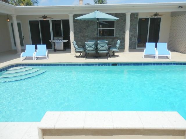 Ultra Private Pool 4/4 for 14 Close to Everything 460 - Image 1 - Hallandale - rentals