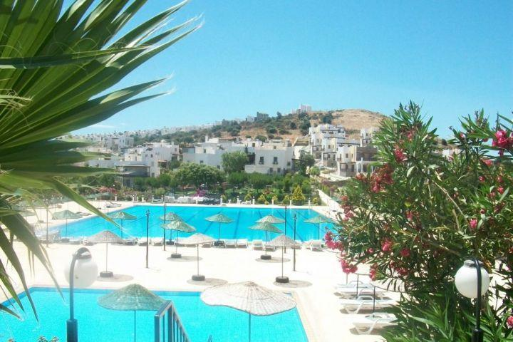 olympic size swimming pool, the largest of the Peninsula - Gundogan sunrise villa - Bodrum - rentals