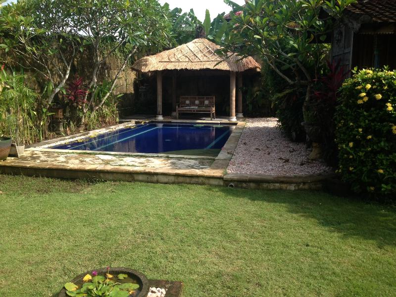 The pool in our walled garden - Rumah Asri - traditional villa in Umalas sleeps 6 - Seminyak - rentals