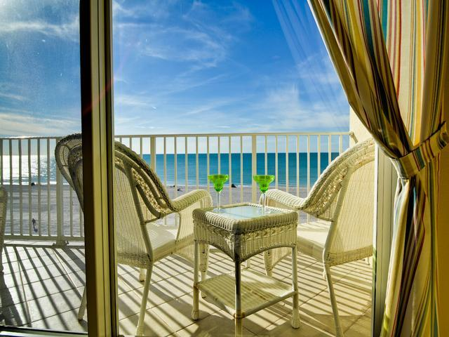 Beautiful vacation setting on world famous Clearwater Beach - Chateaus on White Sands 502 Beachfront Condo - Clearwater Beach - rentals
