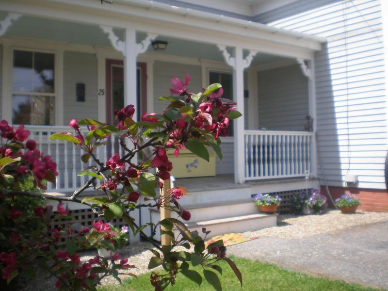 Front Porch - Ladybug House - Boothbay - rentals
