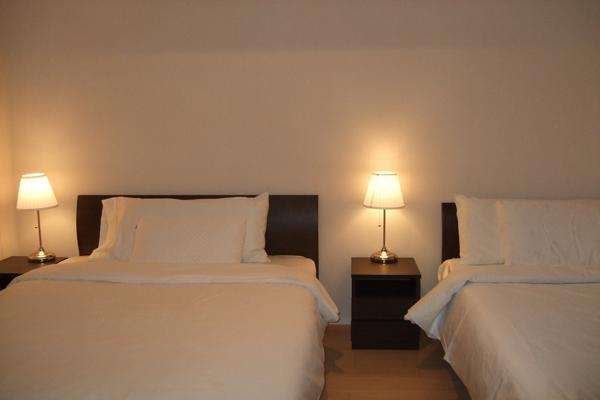 bed room with 1 double bed and 1 single bed - New luxury high rise apartment at Namba - Osaka - rentals
