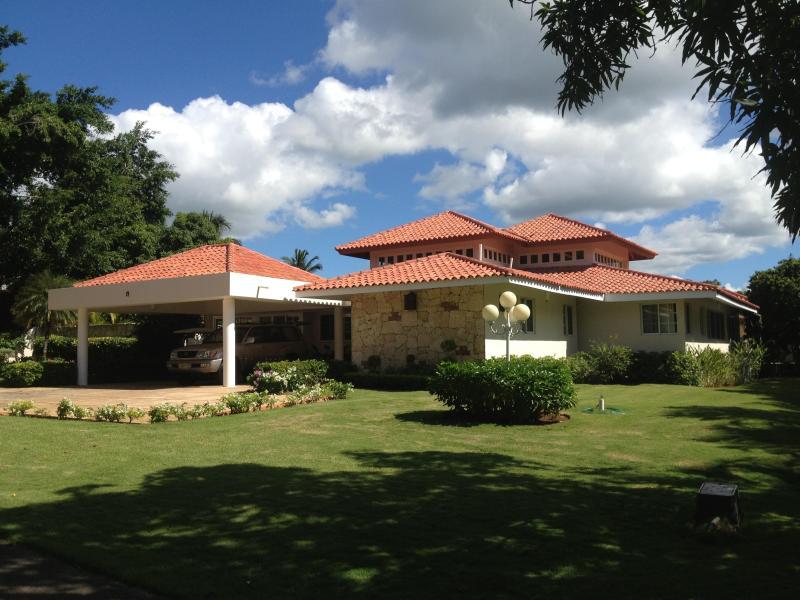 Villa Front View - Villa at Casa de Campo, Dominican Republic - Altos Dechavon - rentals