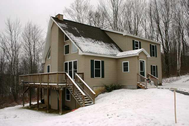 front - Four Seasons Chalet - Waterbury - rentals
