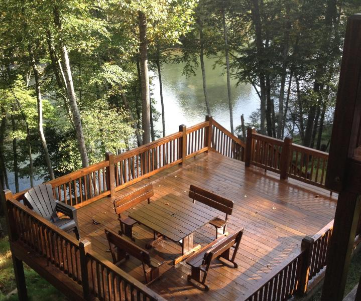 Lower deck and picnic table - Road Less Traveled Cabin on the New River! - Piney Creek - rentals