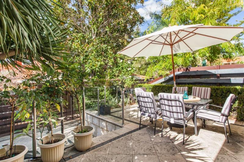 Outdoor area - Cottesloe Island View Villa - Perth - rentals