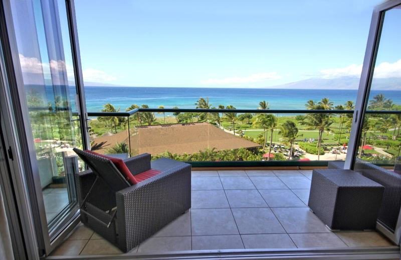 Stepping out from the dining room onto the lanai you have this amazing ocean view with Lanai and Molokai island in the background. - Honua Kai #HKH-550 Kaanapali, Maui, Hawaii - Ka'anapali - rentals