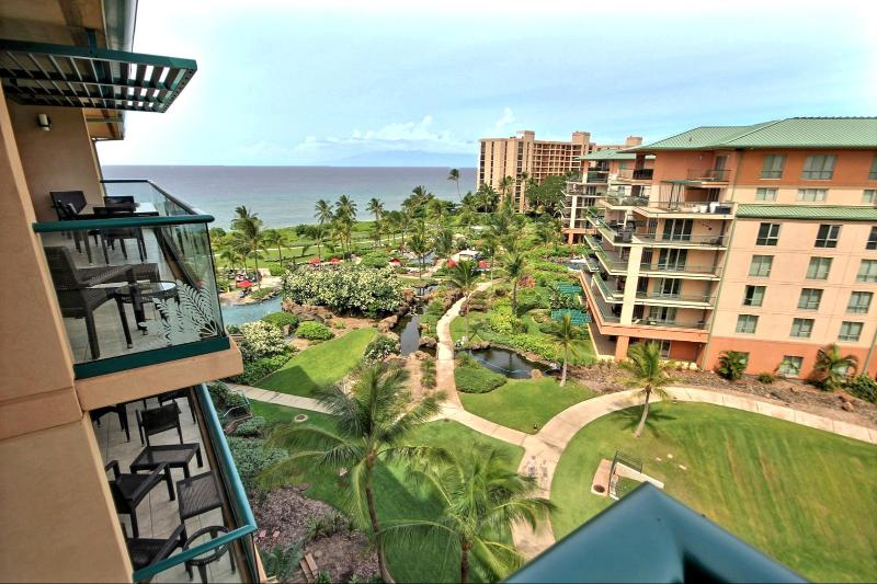 Full ocean views from this top floor unit over looking the pools. Open green spaces and cool Maui breezes make this one of the best 2 Bedroom / 2 bath units Honua Kai can offer. - Honua Kai #HKH-746 Kaanapali, Maui, Hawaii - Ka'anapali - rentals