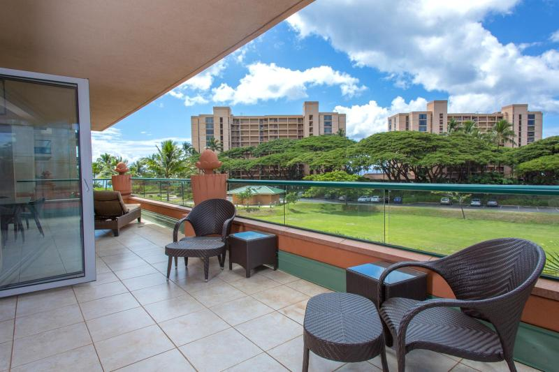 You choose Maui for our outdoor spaces and warm weather. This unit has one of the largest lanai at the resort. - Honua Kai #HKK-234 Kaanapali, Maui, Hawaii - Kaanapali - rentals