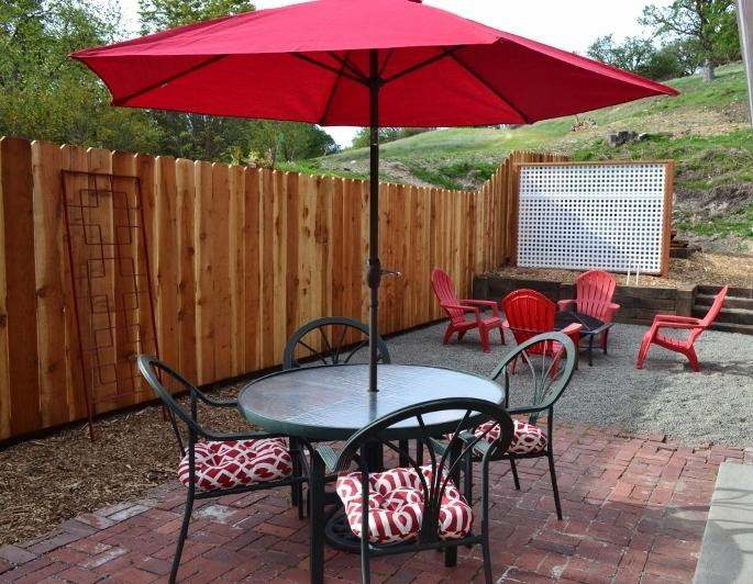 Priviate backyard dining with view of deer covered hills. - 3 Kings on Pacific - Paso Robles - rentals