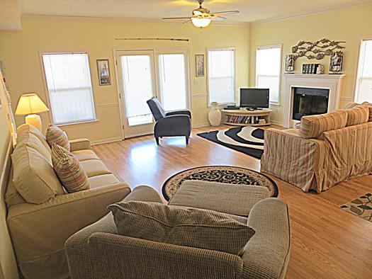 Living room - 55 Angler's Retreat - prices listed may not be acc - Tybee Island - rentals