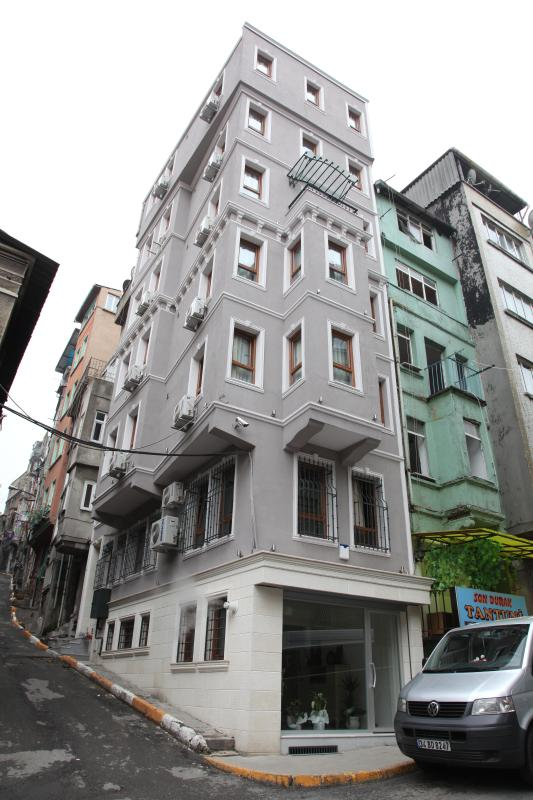 Liva Pera Welcomes You ! - Image 1 - Istanbul - rentals