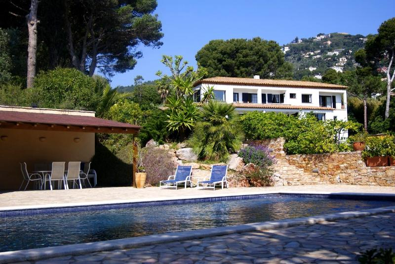 View over pool of house and pool house - 100% Private, Seafront villa with private Pool - Begur - rentals