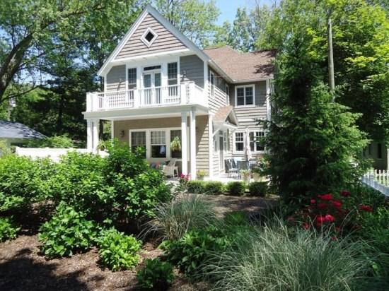 Front view of home - 77 Bluff Drive - South Haven - rentals