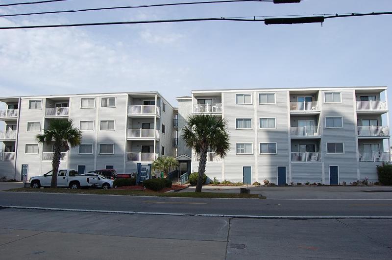 North Beach Villas, Second Row From Ocean - Image 1 - North Myrtle Beach - rentals