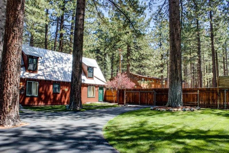 Dog-friendly cabin w/ shared hot tub, fenced ground! Close to beaches & slopes! - Image 1 - South Lake Tahoe - rentals