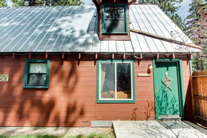 Dog-friendly rustic cabin w/ soothing hot tub; fenced grounds; trails - Image 1 - South Lake Tahoe - rentals