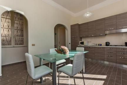 Bright House near S.Peter, Spagna, Navona - 5617 - Image 1 - Rome - rentals
