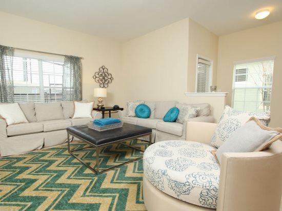 This 5 Bedroom 4 BathroomTown Home Near Disney. 3073BP - Image 1 - Orlando - rentals
