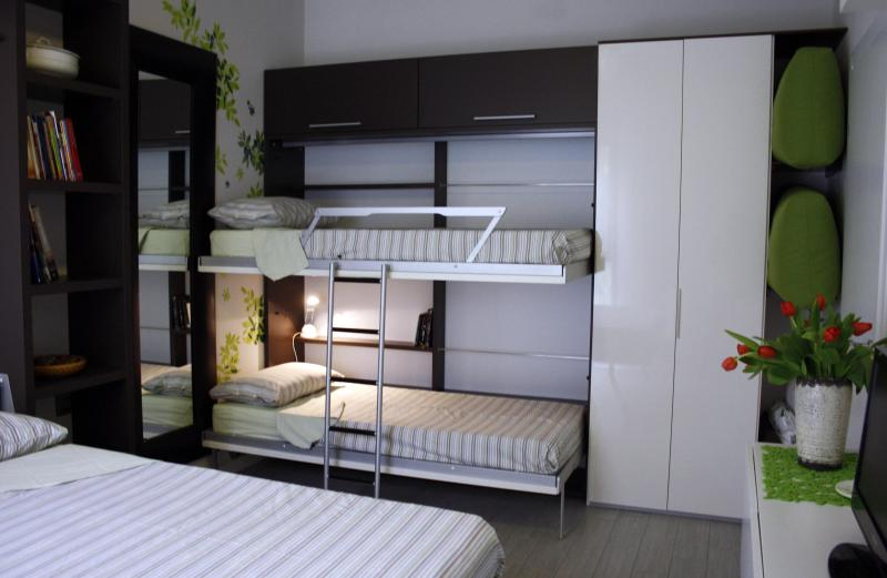 Bed room set with 4 beds - St Julius free private Parking & Bike Milano Fairs - Monza - rentals