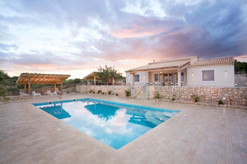 Villa Orizzonte blu - Image 1 - Noto - rentals