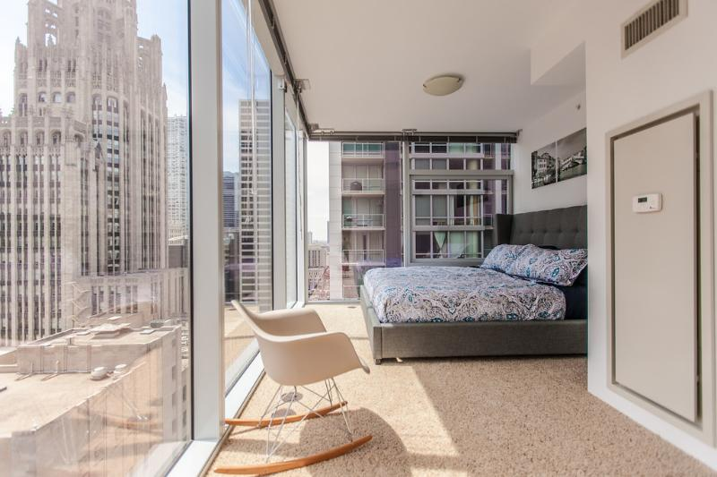 Luxury 2 Bedroom 18th FL Penthouse On Michigan Ave - Image 1 - Chicago - rentals