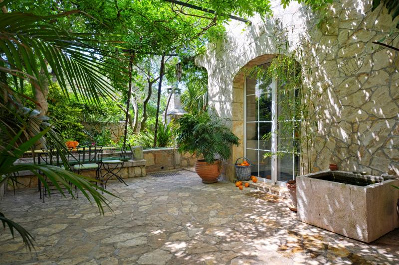 Charming Cottage With Garden - A Peaceful Place On The Busy Island - Image 1 - Stari Grad - rentals