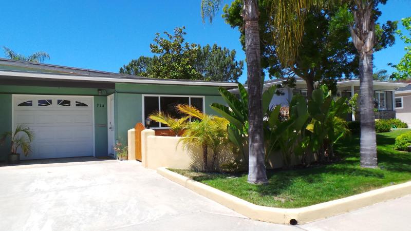 House front view - Cozy, private, 1 bedroom, 1 bath house, sleeps 2 - Encinitas - rentals
