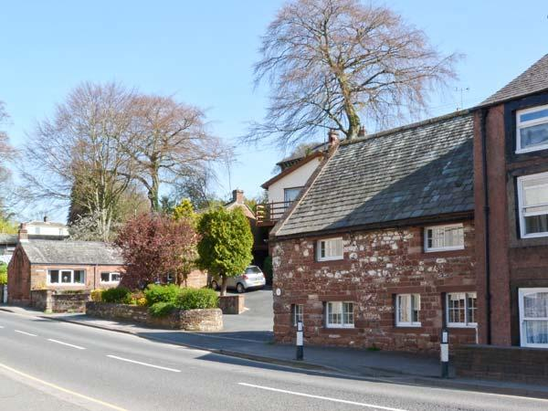 JITTY COTTAGE, opposite River Eden, WiFi, Sky TV, romantic cottage in Appleby in Westmorland, Ref. 21559 - Image 1 - Appleby In Westmorland - rentals