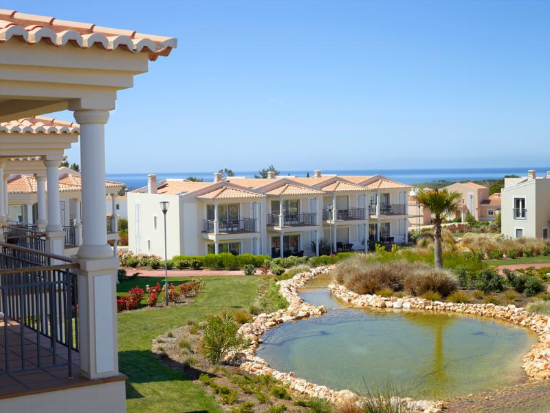 2 BEDROOM DUPLEX FOR 4 PEOPLE, IN A 5 STAR RESORT WITH SPA, IN CARVOEIRO REF. 138709 - Image 1 - Carvoeiro - rentals