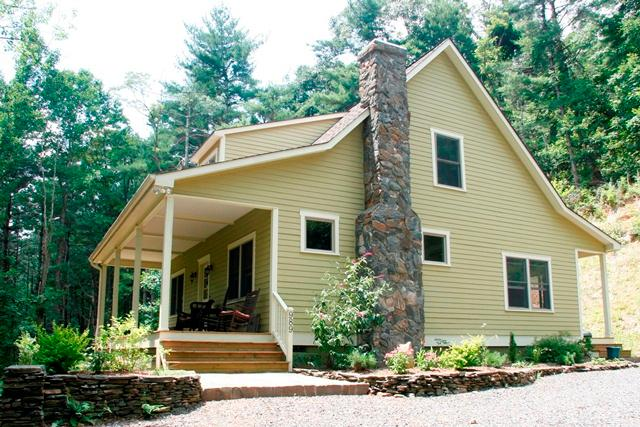 Beautiful Parkway Farmhouse - Beautiful Parkway Farmhouse - Farmhouse Charm, Modern Amenities, Minutes from the Blue Ridge Parkway - West Jefferson - rentals